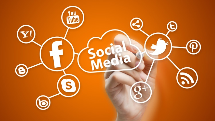 Social Media Marketing Tips From the Pros